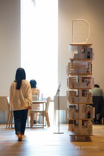 D bookshelf in Toyama City Library (富山市立図書館)