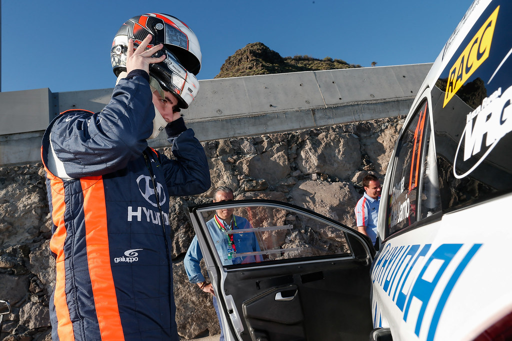 SURHAYEN PERNIA CALDERON Alejandro (ESP), Hyundai  i20 R5, ambiance portrait during the 2017 European Rally Championship ERC Rally Islas Canarias, El Corte Inglés,  from May 4 to 6, at Las Palmas, Spain - Photo Alexandre Guillaumot / DPPI