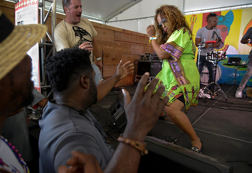 Adonis y Osain del Monte at Jazz Fest. Photo by Charlie Steiner.
