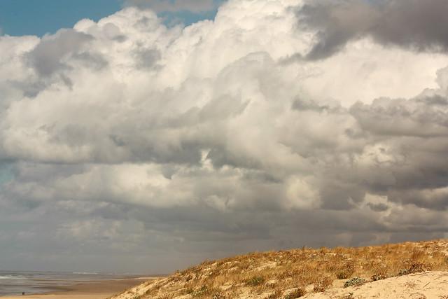 Nubes con horizonte lejano.NWN, Canon EOS 450D, Canon EF-S 55-250mm f/4-5.6 IS