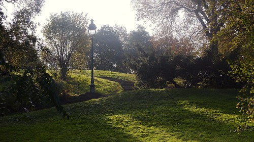 Morning Walk to the Buttes Chaumont (16)