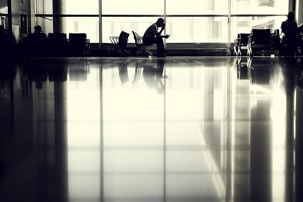 170517 海外空港で飛行機が遅延したので振替便に乗ることになった話
