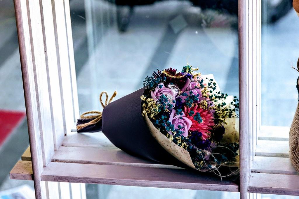 剛好母親節那天,店內也有手工乾燥花等販賣,頗漂亮的