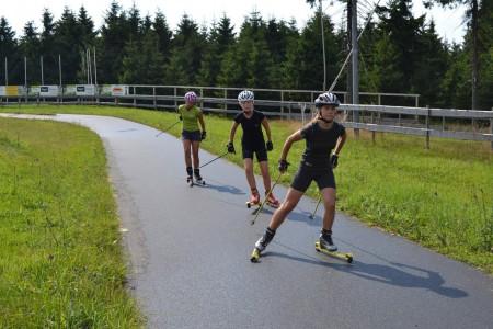 Testování kolečkových lyží v Letohradu