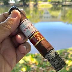 Pelo de Oro, what a wonderful smoke. Grab one today at Cuenca Cigars @agingroom_rafael