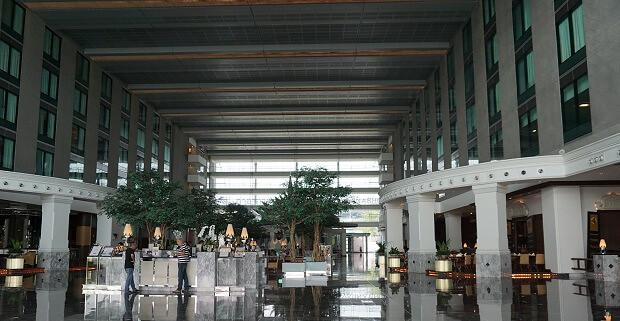170517 Novotel Bangkok Suvarnabhumi Airportロビー