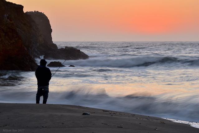 Fisherman & Twilight|Rockaway Beach, California
