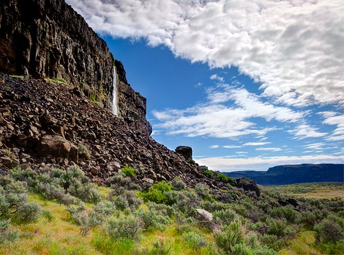 ancientlakes easternwashington waterfall desert spring coulee clouds trinterphotos basalt