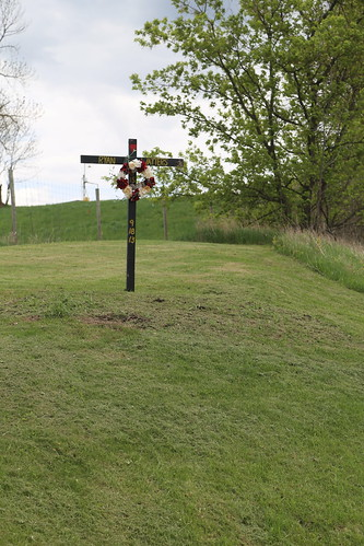 Roadside Memorial, WI RT61, Crawford Co WI