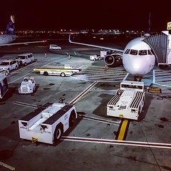 Just another Sunday night commute #JetBlue #terminal5