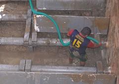 Empresa Aguas del Chuno realiza limpieza de los decantadores de agua cruda