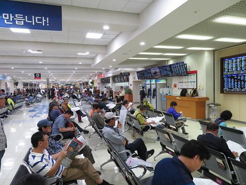 釜山慶南競馬場3階の中央コンコース
