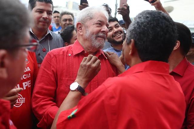 Lula após votação para a escolha da nova direção do PT, em São Bernardo do Campo, em abril - Créditos: Filipe Araujo