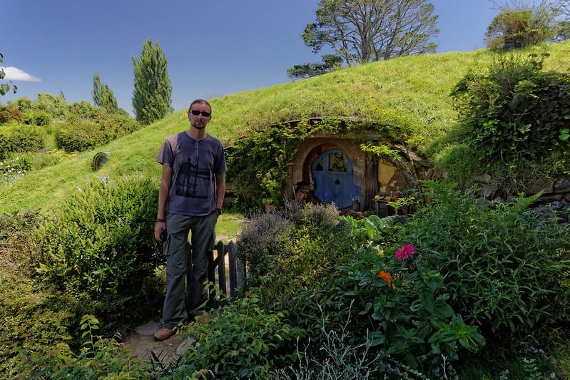 Dawid next to Hobbits hole