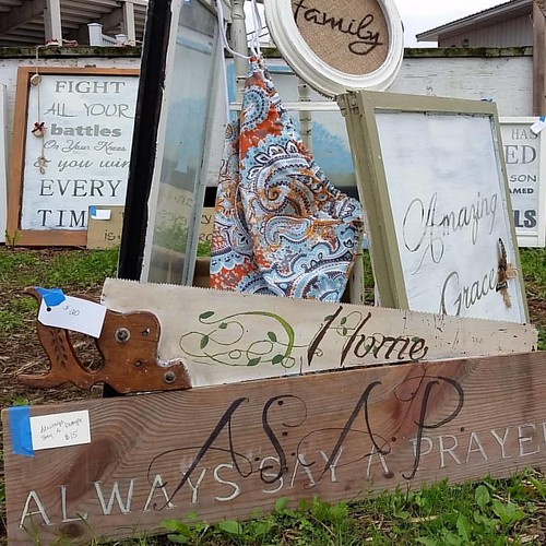 Decor and so much more at the Flea Market and Craft Fair this summer. Mark your calendars for; May 27, June 17, July 15, August 26, and September 16 (link in bio) #fleamarket #fleamarketfinds #fleamarketstyle #fleamarketflip #repurposed #repurposing #wisc