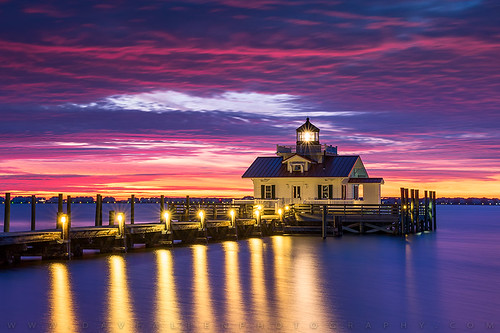 lighthouse outerbanks northcarolina nc manteo roanoke roanokemarshes sunrise obx lighthouses bay harbor albemarle coast coastal seascape landscape eastcoast scenic scenery bluehour