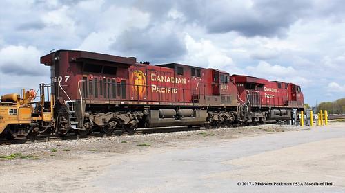 canadianpacific cp emd cc es44ac 8895 ac400cw 8607 diesel freight smithsfalls ontario canada train railway locomotive railroad