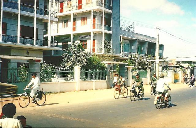 SAIGON 1966-67 by Allen McKenzie - Street Scene