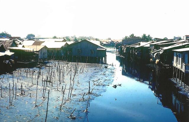SAIGON 1966-67 by Allen McKenzie - Rạch Nhiêu Lộc