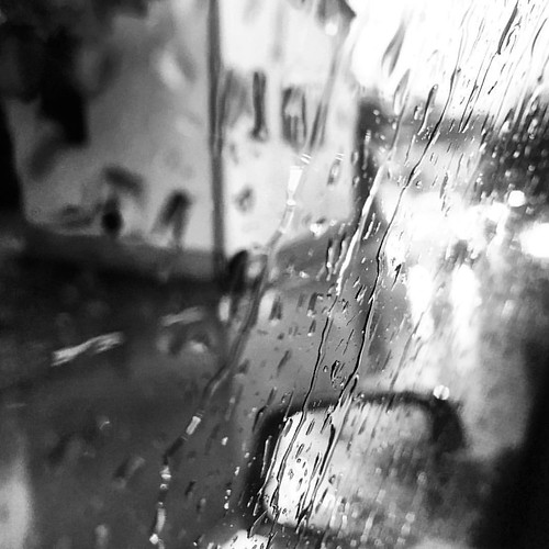 Follow @andrea.gracis #andreagracis #photographer #originalphotography  #shotonmoment #momentlens ​#photography #photooftheday #bestoftheday #snapshot #art #beautiful #exposure #composition #focus #capture #moment #milano #rain #drops #window #blackandwhi