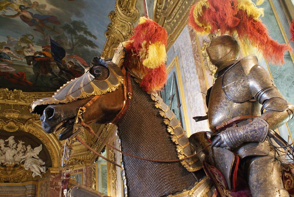 Superbe cavalier et cheval empaillé à l'Armurerie royale de Turin.