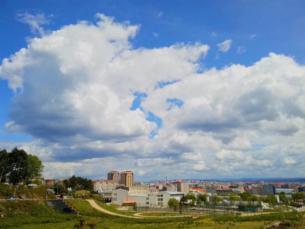 Más cielos de primavera. #skyphoto #sky #spring #photography #phonephoto #coruña #cellphoto