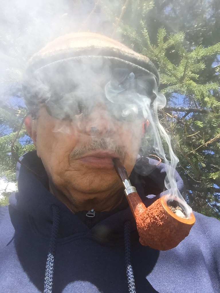 Trying a new tobacco in a new pipe 34415337572_f0430eee14_b_d