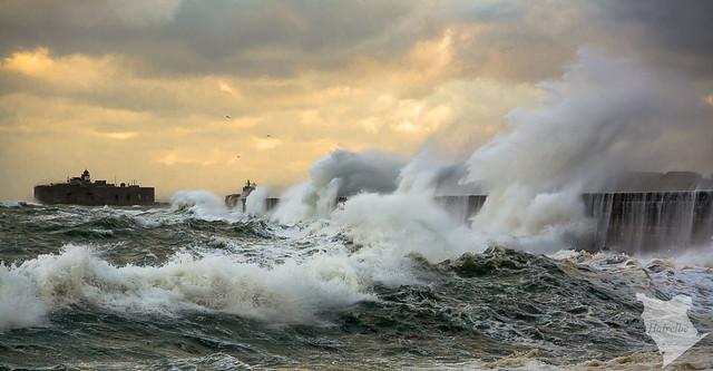 Coup de vent sur la digue de Querqueville