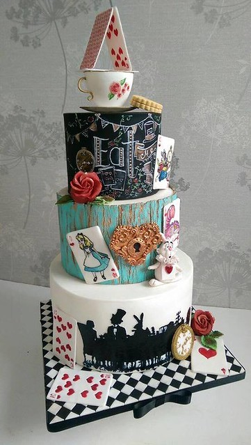 Cake by Disney Cakes and Sweets