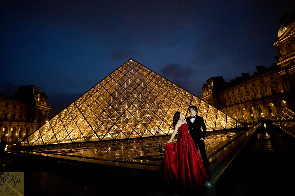 An evening in Louvre