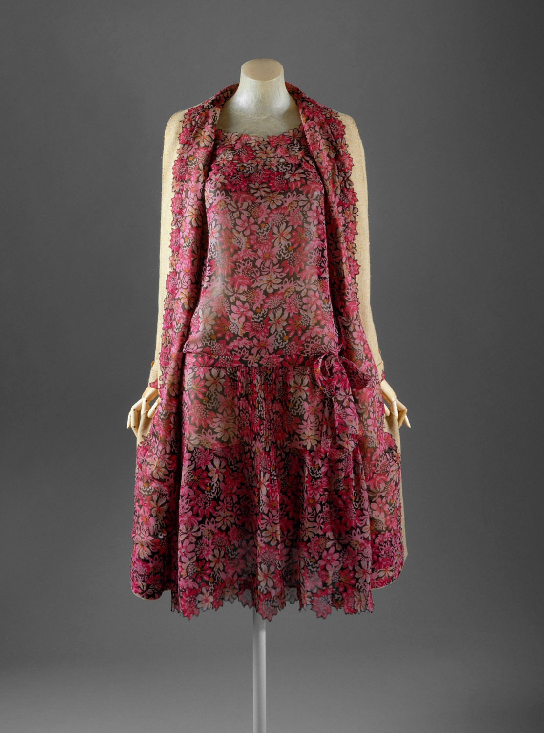1929 Chanel Ensemble. Silk, wool. metmuseum