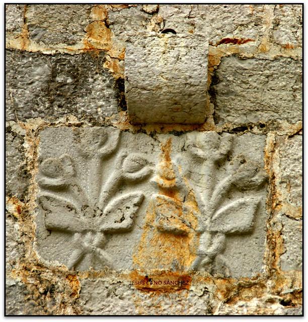 Detall de la portada del saló gòtic, Castell de Peníscola (Castelló, España)