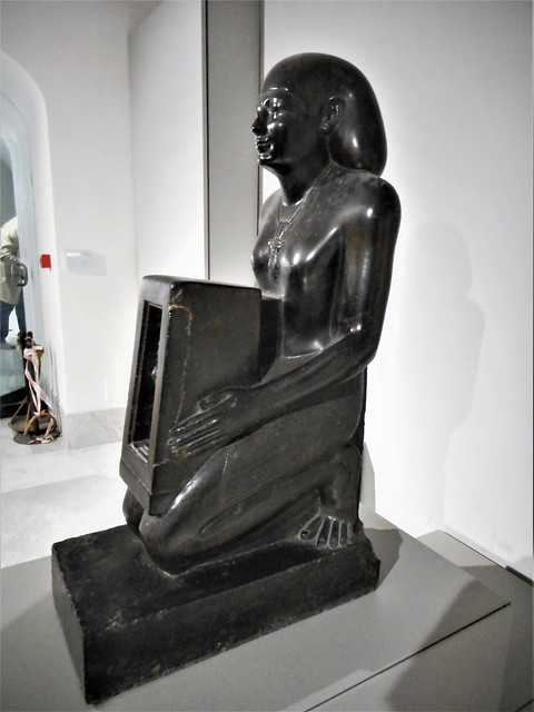 Egyptian sculpture (h. 97,5 cm.), representing a civil servant, called