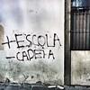 Mais Escola; Menos Cadeia. #streetphotography #streetphoto #olheosmuros #streetart #streetphoto #everydayriodejaneiro #everydaybrasil #everydaylatinamerica #centrorio