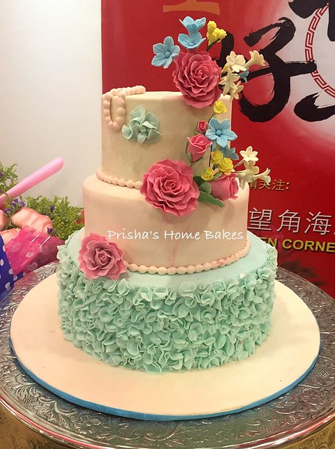 Cake by Prisha's Homebakes