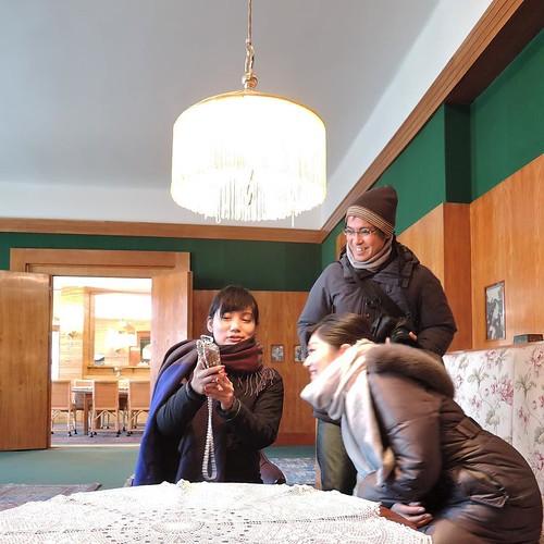 プルゼニュで、自撮りの方法を教わってるところをアップしとこう。パラレルワールド的な投稿、と。 #visitCzech #チェコへ行こう #プルゼニュ #plzeň