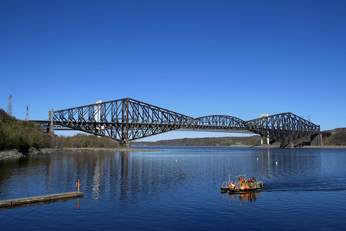 stlawrenceriver pontpierrelaporte pontdequebec bridge marinadestromuald levis quebec canada ponts bridges fleuvestlaurent