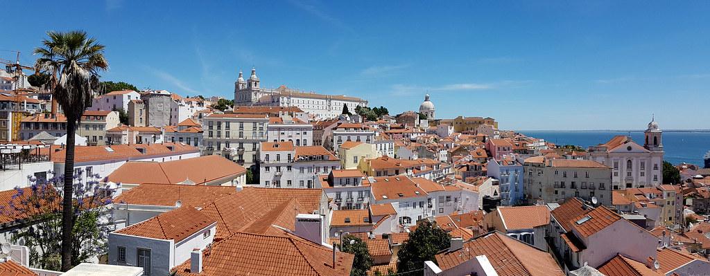 Belvédère Miradouro das Portas do Sol à Lisbonne.Photo de Kostas Limitsios