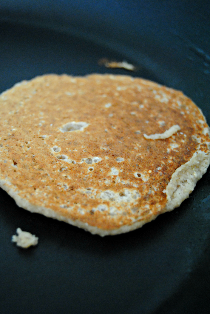 Banana and Oat Pancakes (003b)