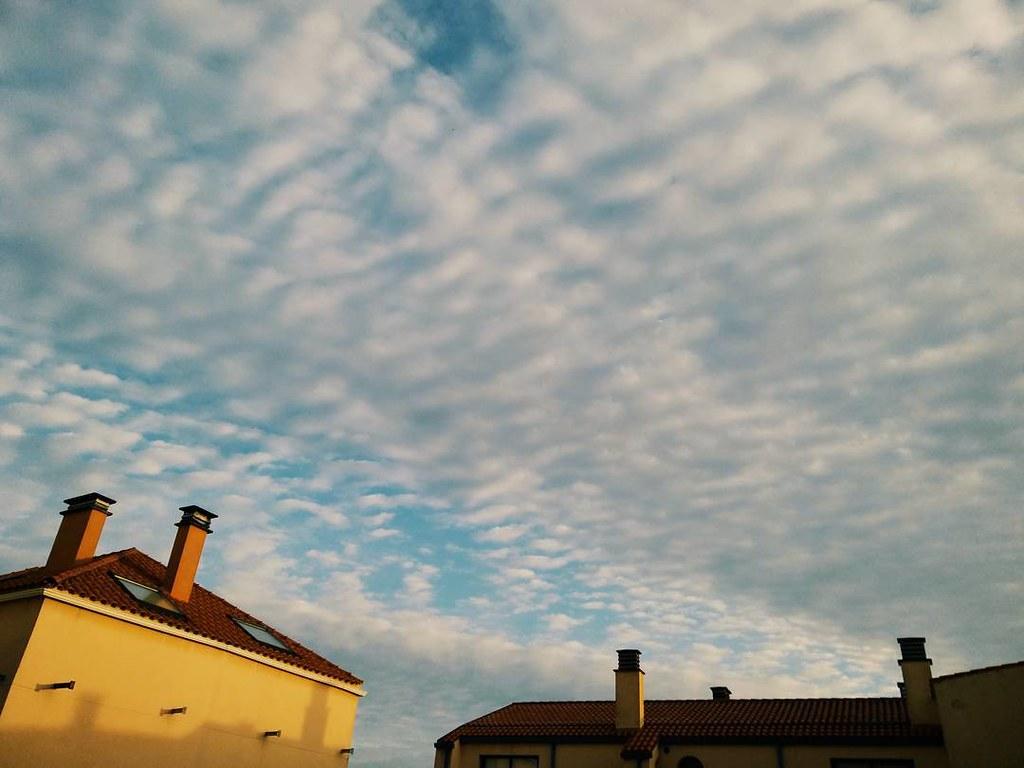 Amanece el viernes. #nubes #Coruña #phonephoto #photography #Coruña #vsco