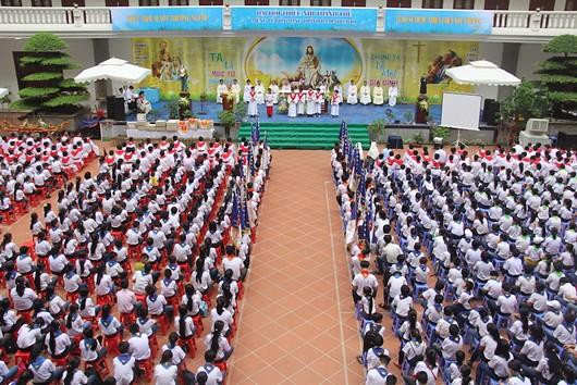 Gần 4000 bạn trẻ tham dự Đại hội Thiếu nhi Thánh thể hai miền Thái Bình - Hưng Yên
