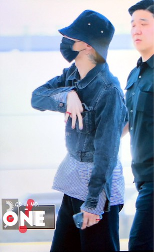 G-Dragon Departure Seoul ICN 2017-05-20 (8)