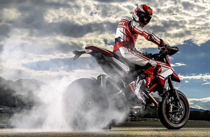 Ducati HM 821 Hypermotard SP 2015 - 13