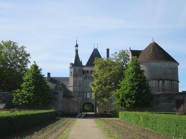 Quel est ce lieu??? Il s'agissait du château (XVIe) de Talcy (41)