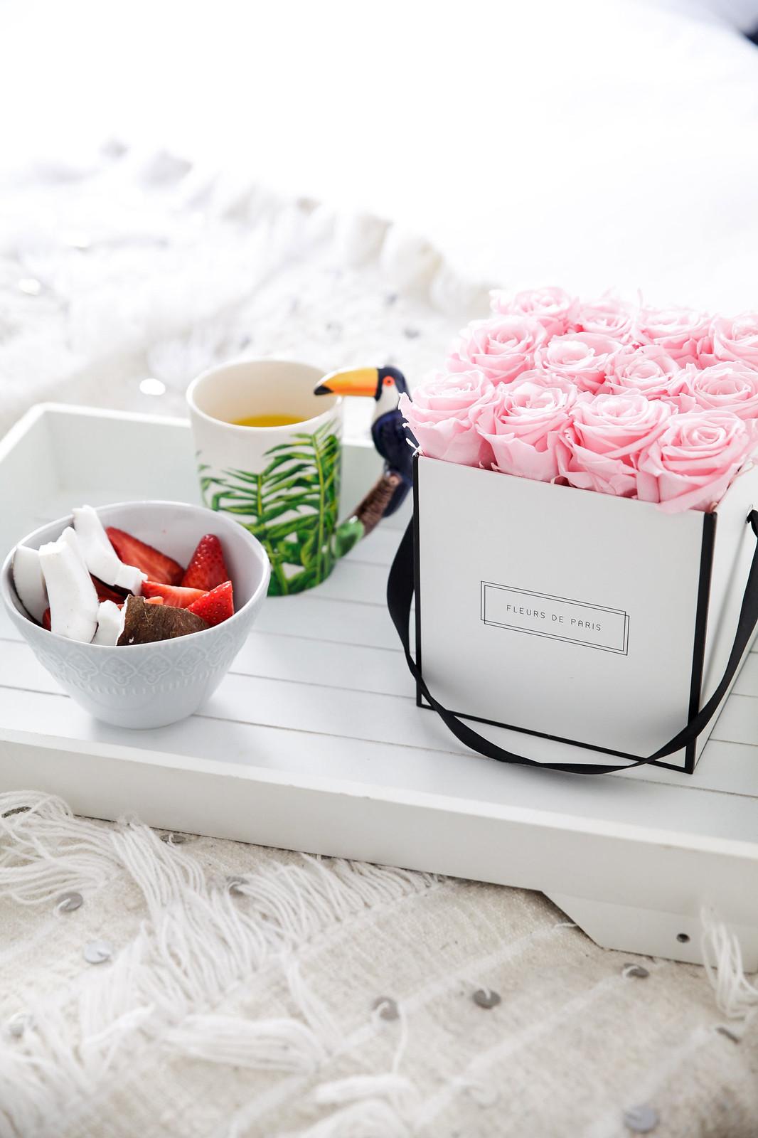 013_Desayuno_cama_breakfast_bed_Fleurs_Paris_Theguestgirl_Flowers_pink_influencer_barcelona_flores_laura_santolaria