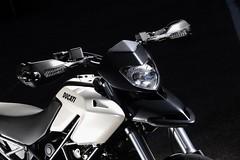Ducati HM 796 Hypermotard 2010 - 17