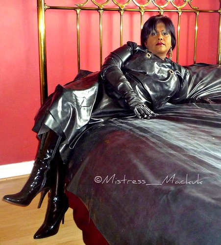 Mature bbw rubber