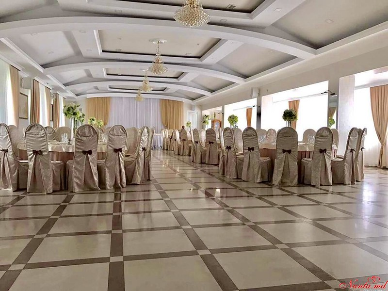 "SALA DE BANCHET ""CASCADA"" > Foto din galeria `Sala renovata 2017`"