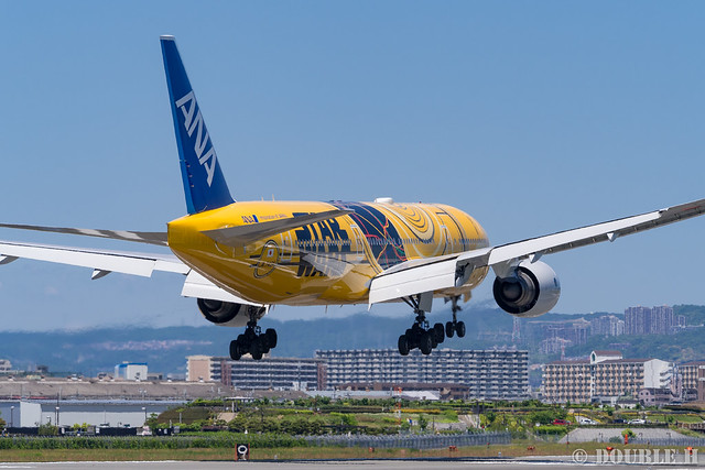 Itami Airport 2017.5.18 (12) JA743A / C-3PO ANA JET (B777-200)