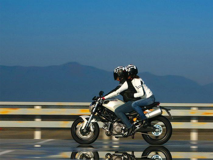 Ducati 696 MONSTER 2008 - 24